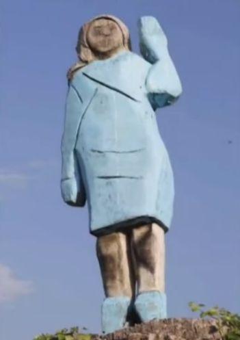 メラニア・トランプ米大統領夫人の木像(スロベニア共和国)