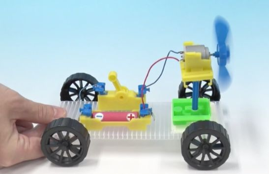 理科の実験の車