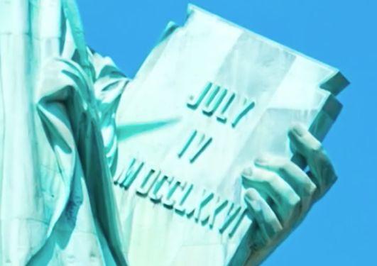 自由の女神像・独立宣言書